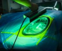 headlight-restoration-on-porsche-carrera-911-with-uv-light